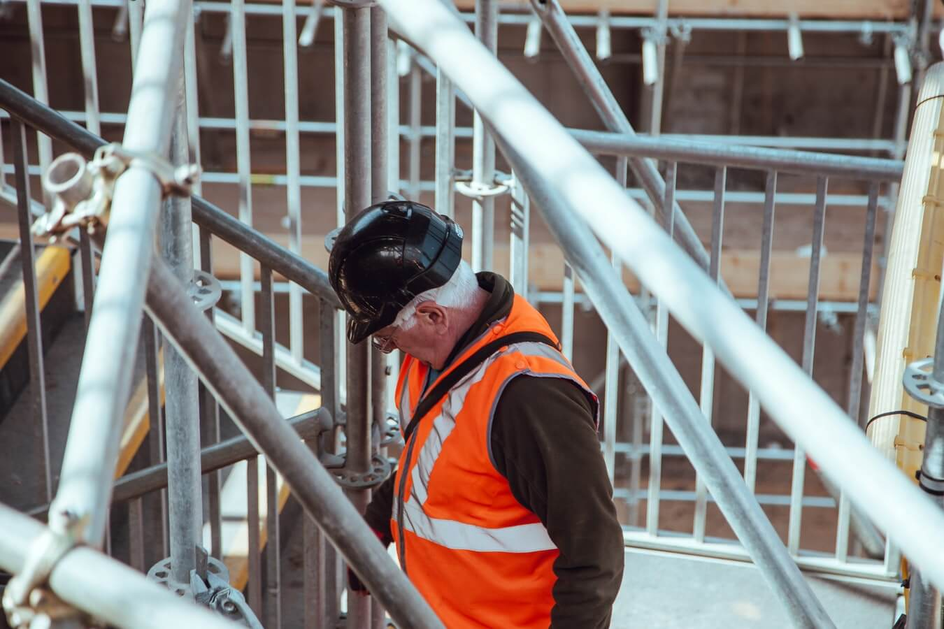 How to Use Safety Signs